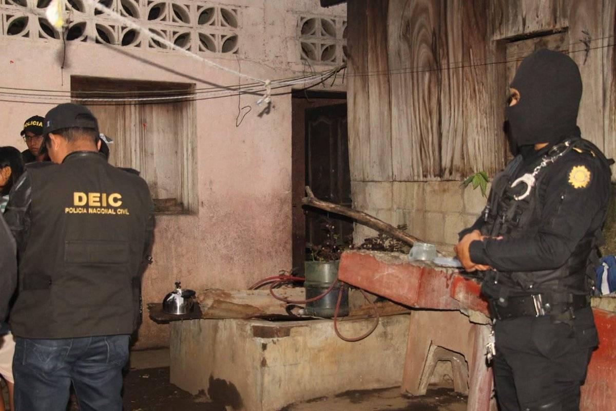 """Policías integraban la banda """"Los Patrones"""". Foto: PNC"""