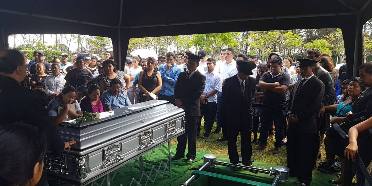 VIDEO. Dan el último adiós a taxista ultimado en El Naranjo