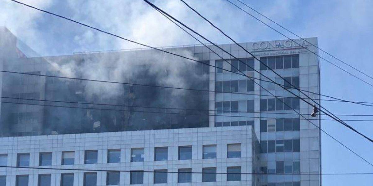 Controlan incendio en edificio de la Conagua; no hay lesionados