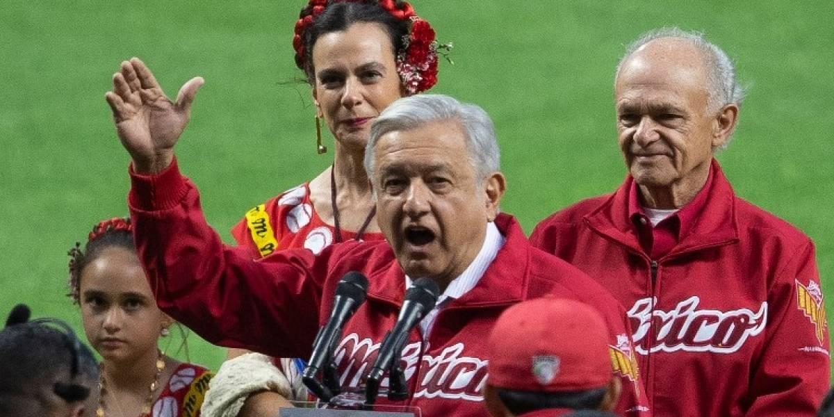 Abuchean al presidente de México durante inauguración de estadio