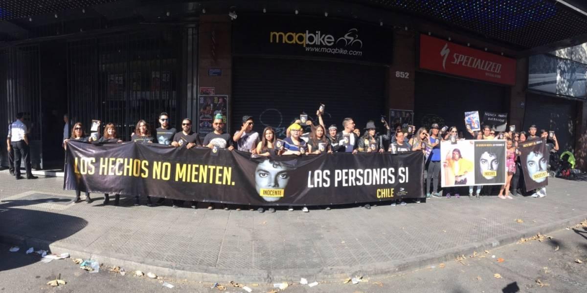 Fans Club chileno de Michael Jackson se manifestó en apoyo al cantante