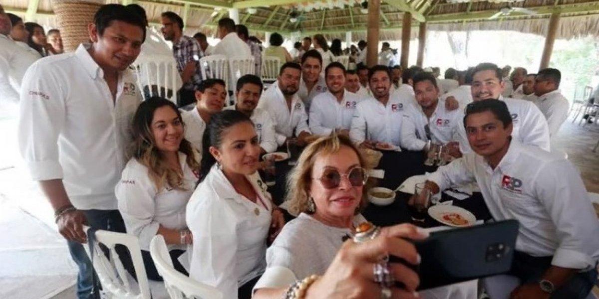 Reaparece Elba Esther Gordillo en evento de Redes Sociales Progresistas