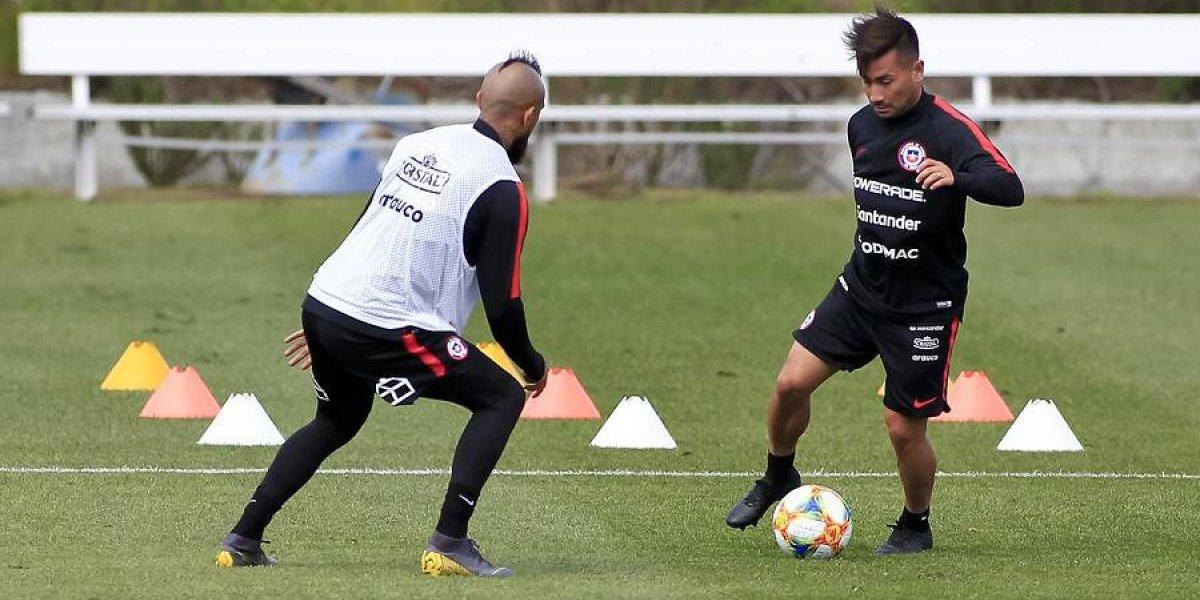 """Jean Meneses pide cancha en la Roja: """"Estoy disponible para jugar y quiero aprender de los experimentados"""""""