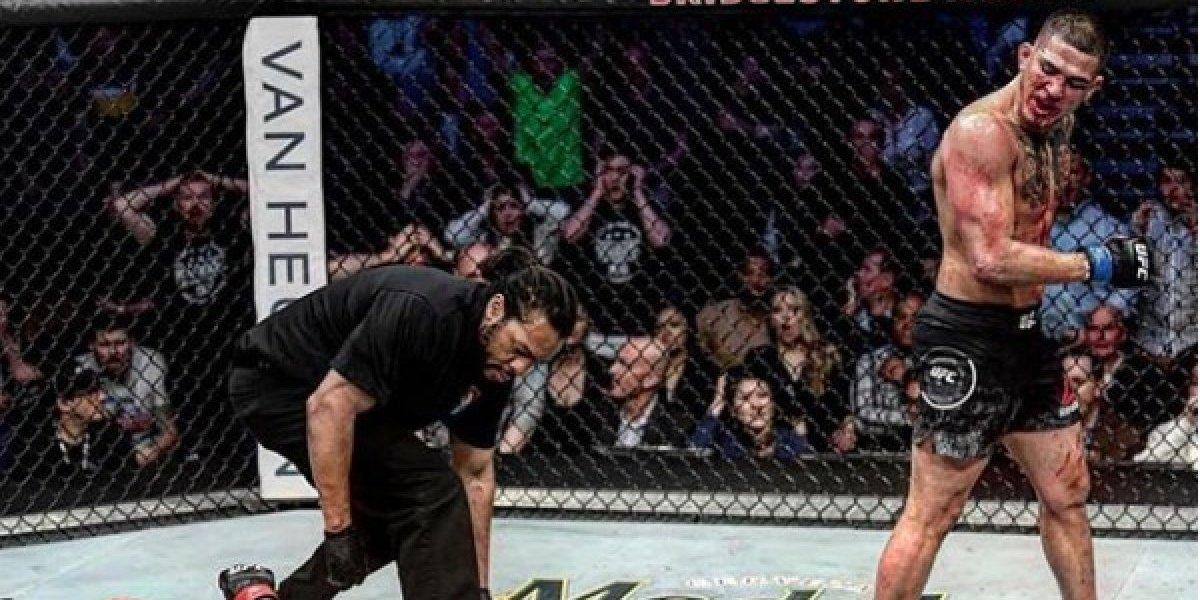 Anthony Pettis noquea a su rival a lo 'Superman' en UFC