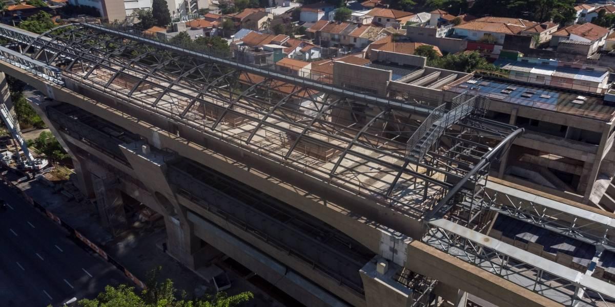 Pista expressa da Marginal Pinheiros será interditada para obras da Estação Morumbi do metrô
