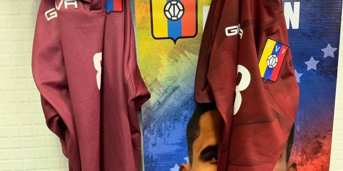 A la Selección de Venezuela le tocó estampar su camiseta para jugar un partido