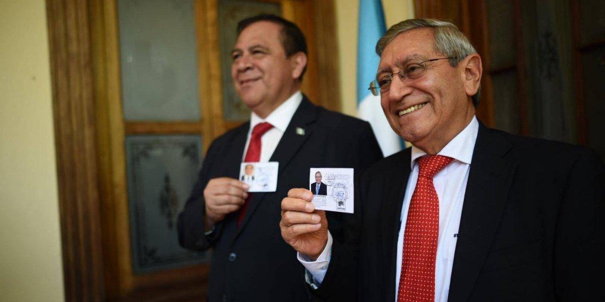 Binomio presidencial de Unidos recibe credenciales
