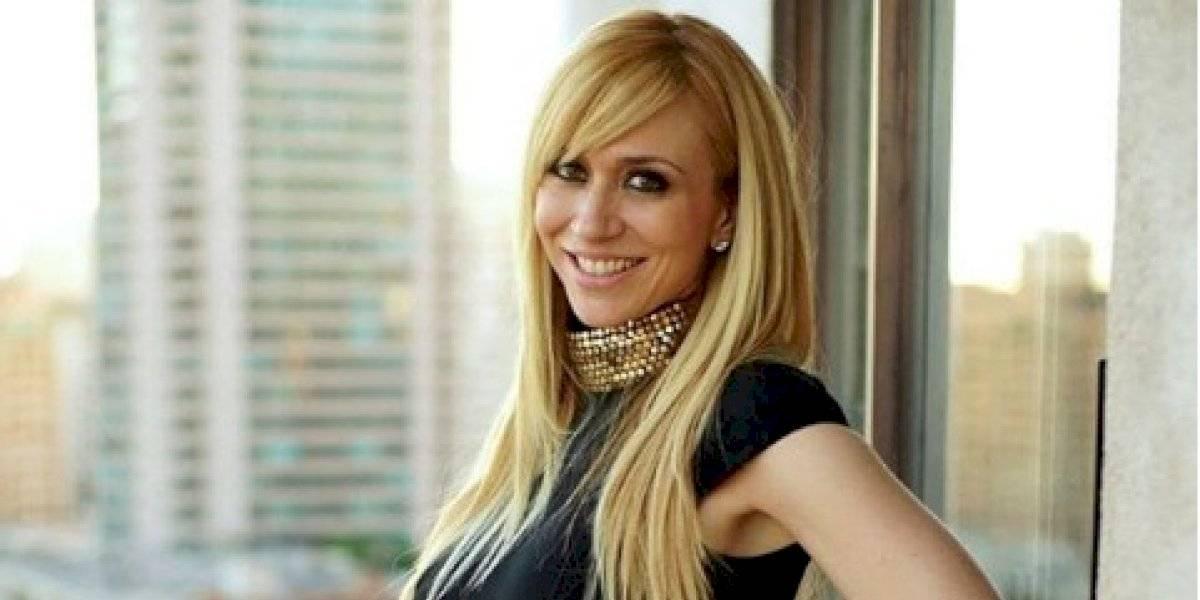 Sin censura y sin ropa Noelia promociona el estreno de su canal para adultos