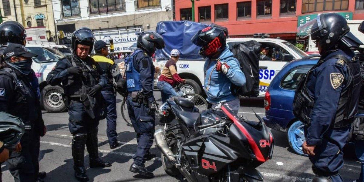 Investigan a mando policiaco por tener motocicleta robada