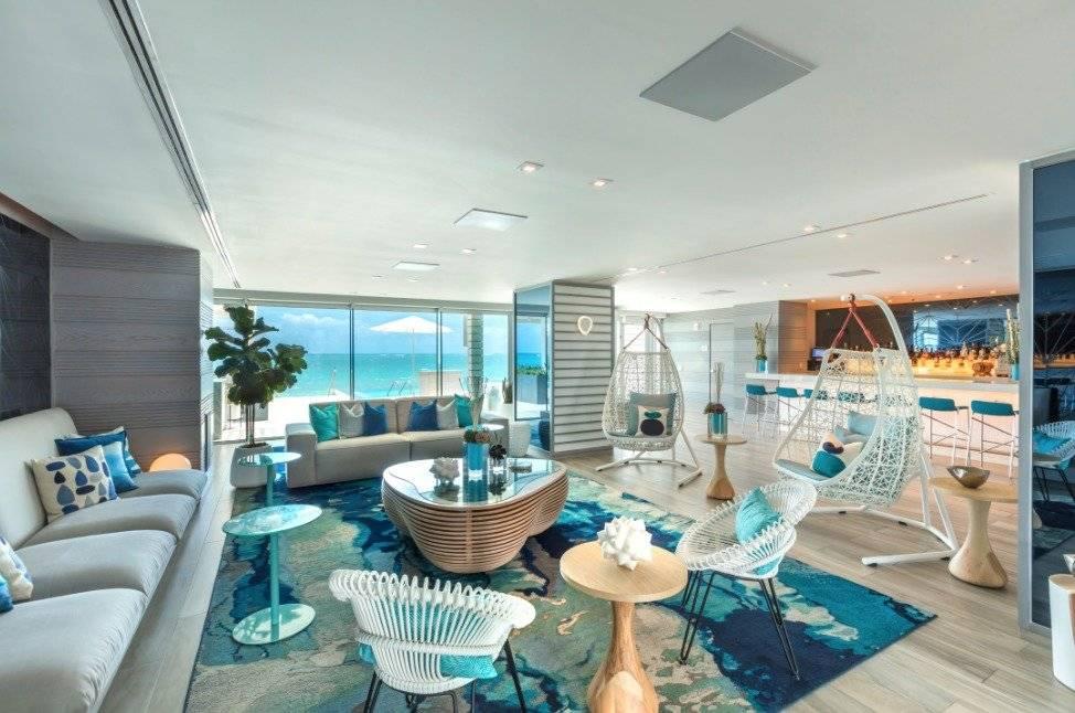 Lobby del Serafina Beach Hotel