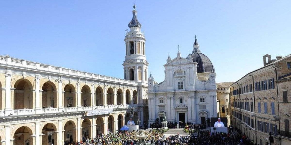 """""""Varón y hembra los creó"""": Vaticano lanza polémico documento en contra de la ideología de género"""
