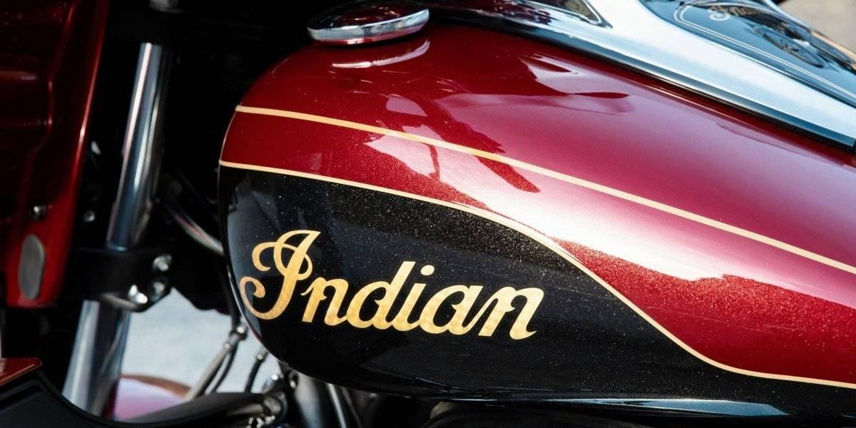 El tope de gama de Indian llega con terminaciones de oro