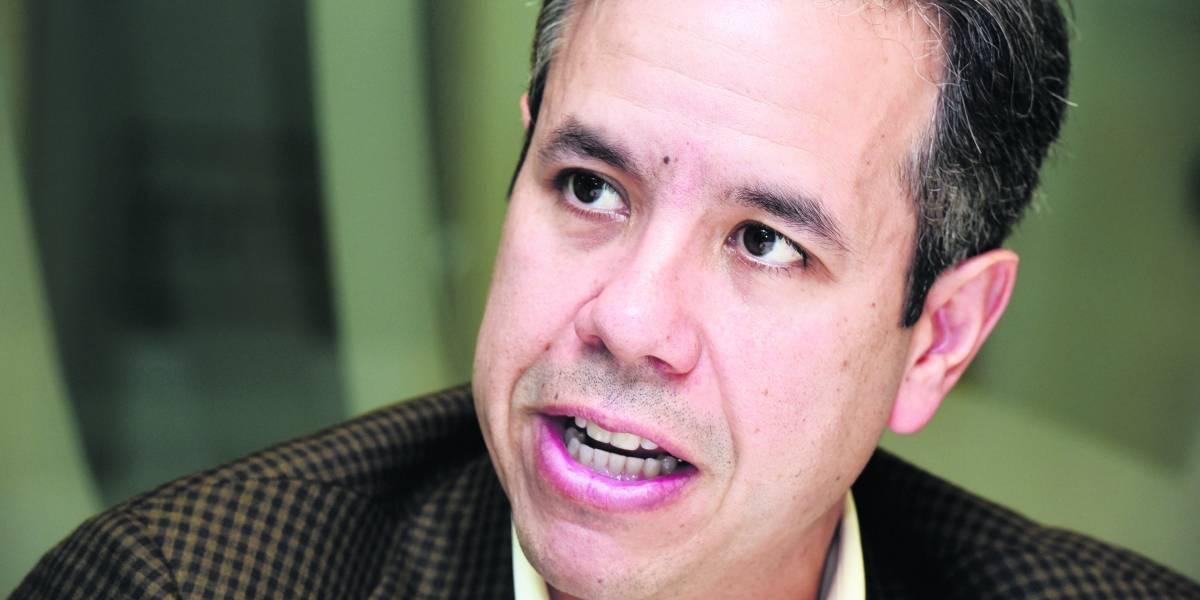 Miguel Romero desafia a Rivera Schatz y no irá contra veto del gobernador