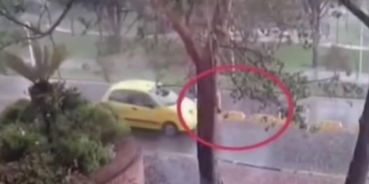 VIDEO: Taxista atropelló a una menor en el norte de Bogotá y huyó del lugar