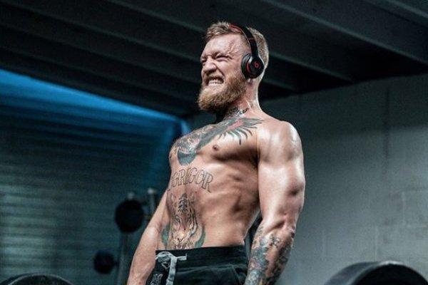 Conor McGregor se retira y es denunciado por abuso sexual