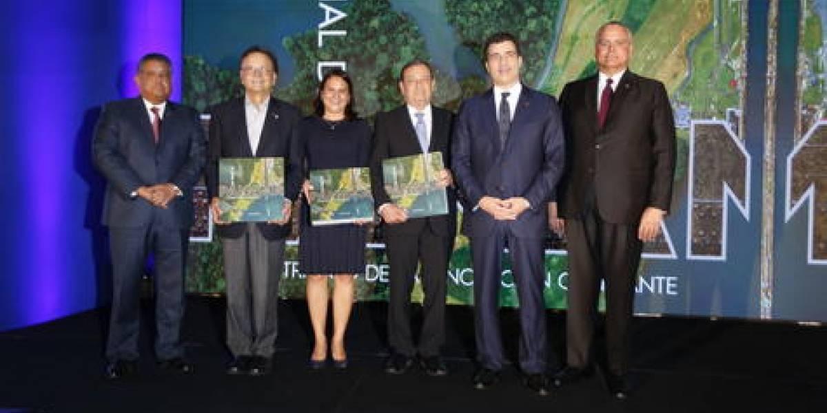 #TeVimosEn: Filial panameña de Grupo Popular publica libro sobre Canal de Panamá