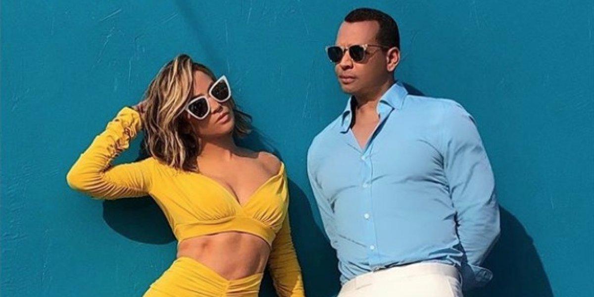 Conejita Playboy puso contra la pared a pareja de Jennifer Lopez