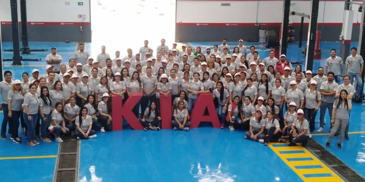 Kia Motors capacita a colaboradores y abre concesionario en Guayaquil