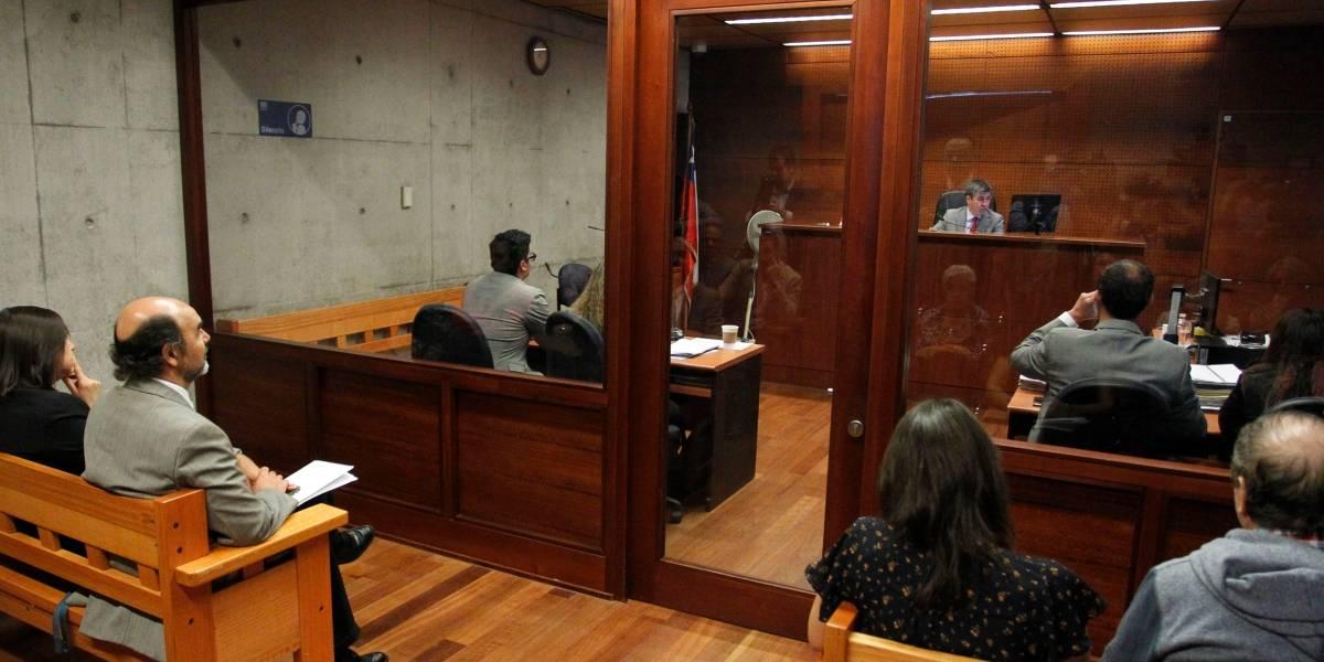 Suspenden proceso contra padre que olvidó a su hijo en un vehículo por 8 horas, lo que provocó la muerte del menor