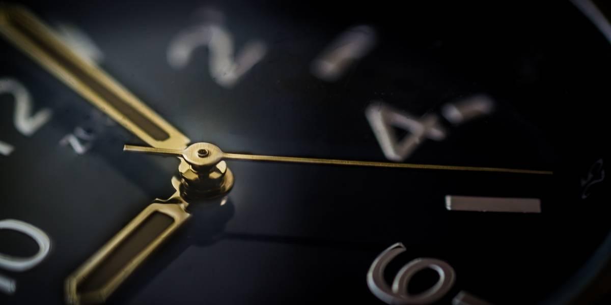 ¿Por qué sentimos que el tiempo pasa más rápido a medida que envejecemos? Un experto tiene la respuesta