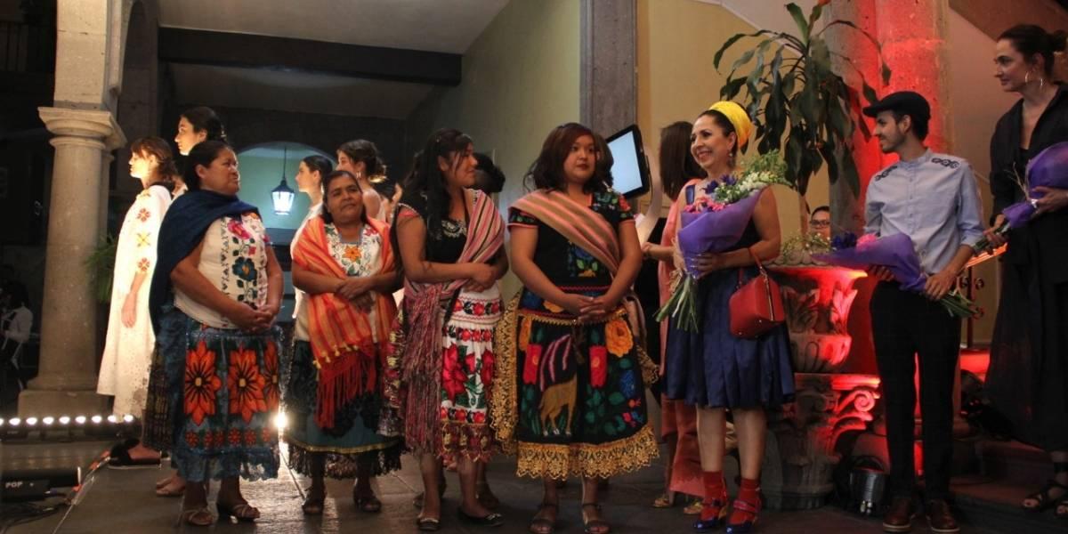 Realizan pasarela con trabajo de mujeres purépechas en Jalisco