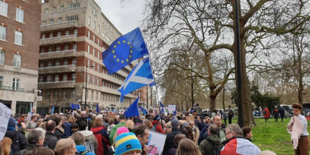 Reino Unido en suspenso tras el retraso de Brexit