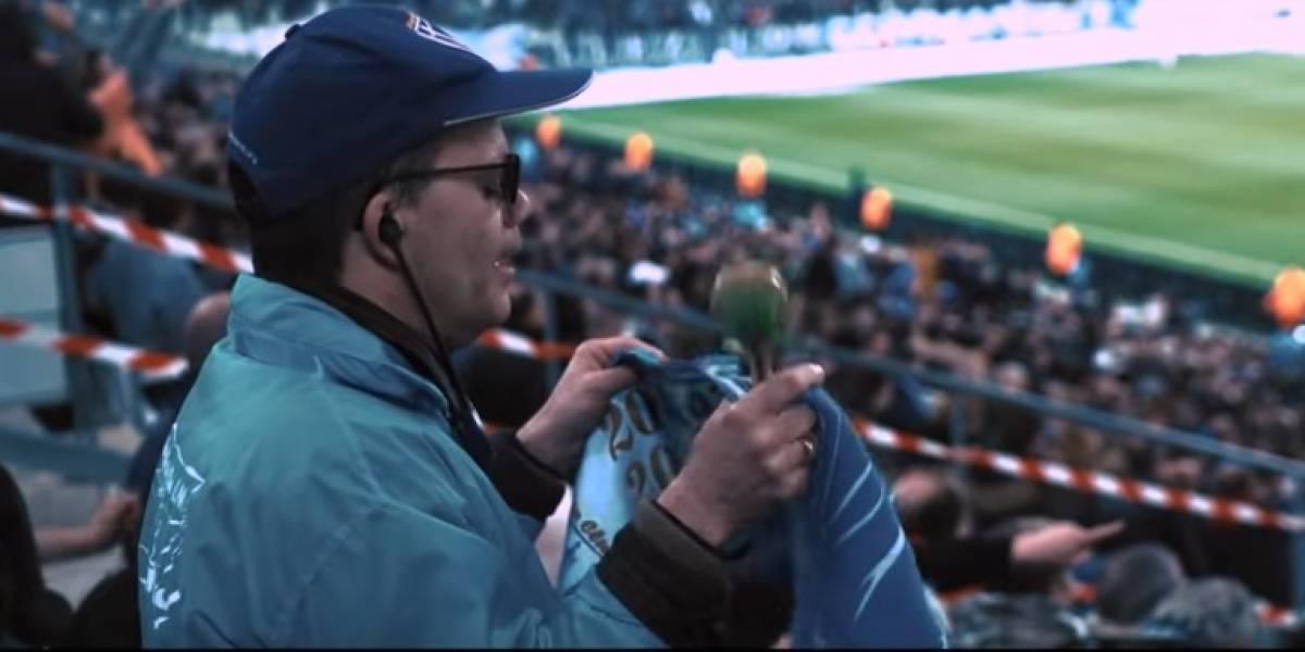 Olympique de Marsella muestra cómo vive el futbol un aficionado invidente