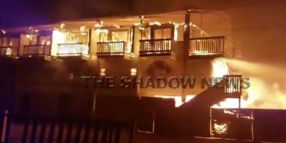 Se incendia hotel abandonado en Lajas