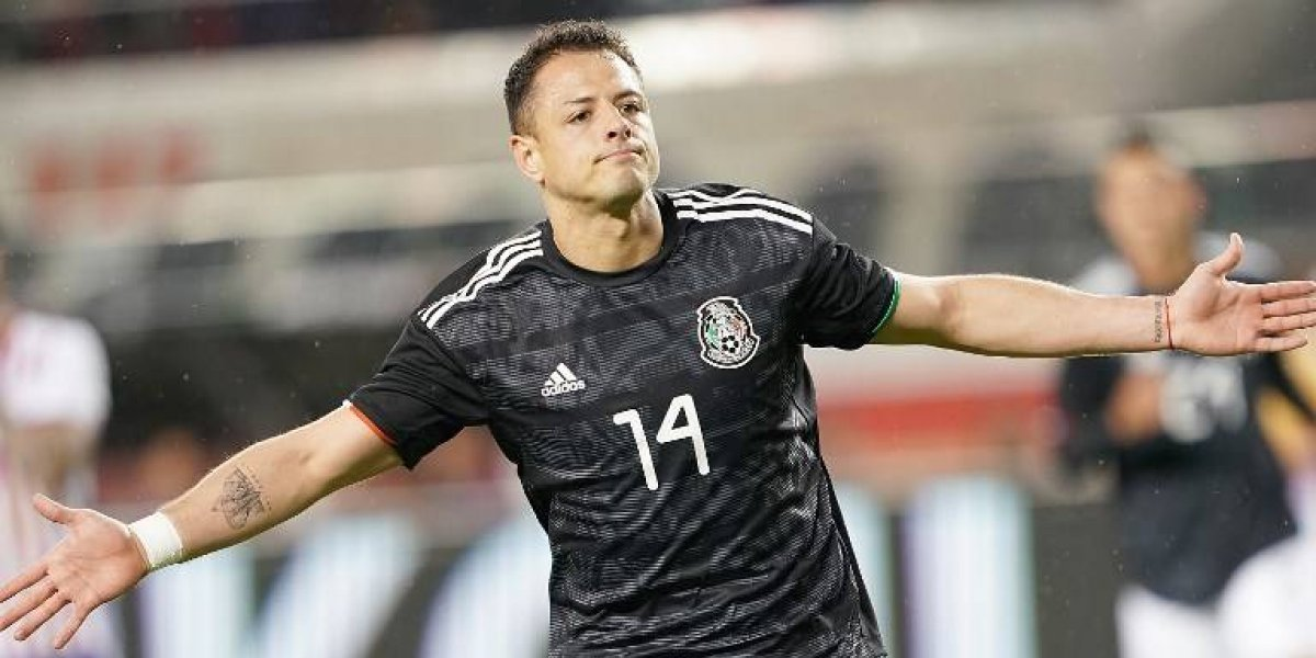 """VIDEO. Selección mexicana celebra pero el """"Tata"""" Martino sufre un raro golpe"""
