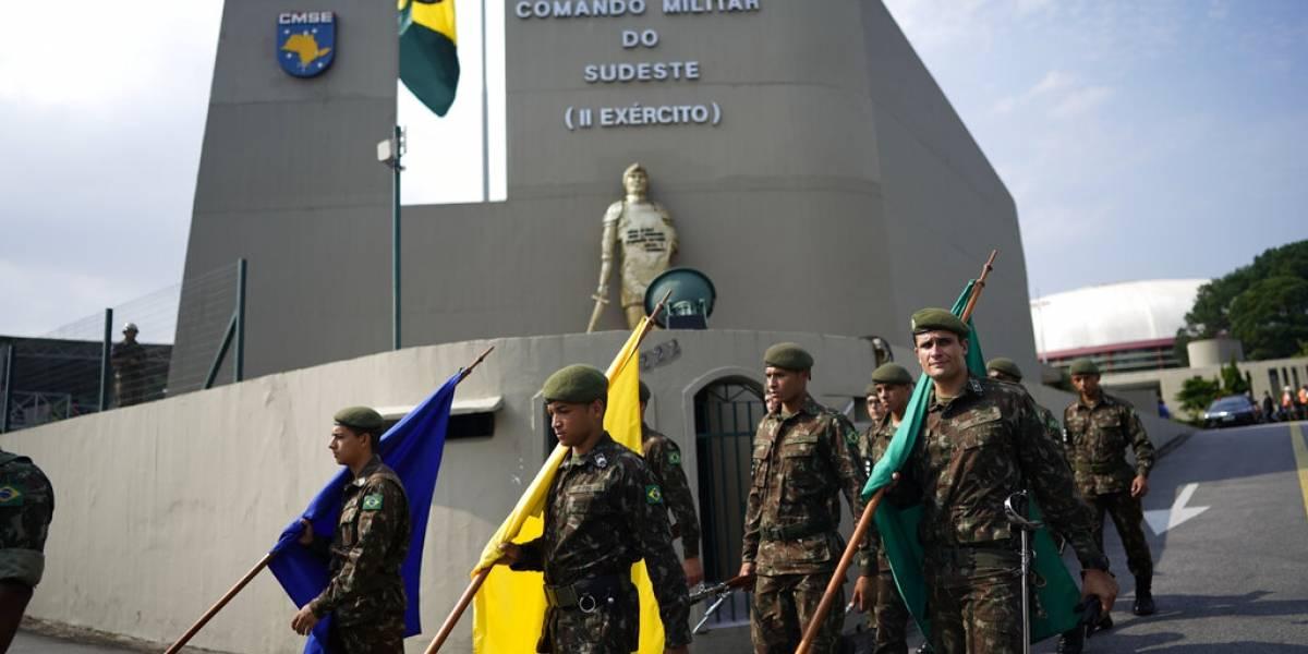 Miles repudian en calles de Brasil celebraciones del golpe