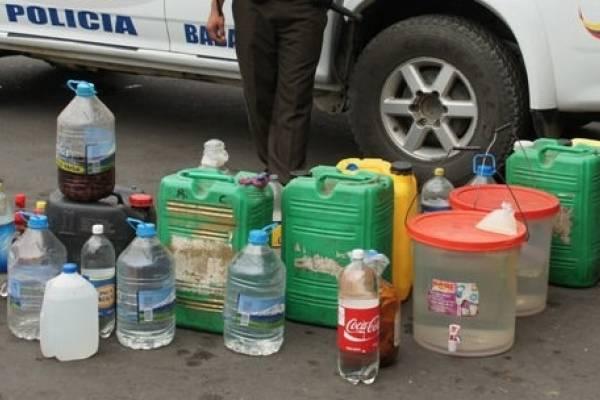 Tres personas fallecieron por presunta ingesta de licor artesanal en Pedernales