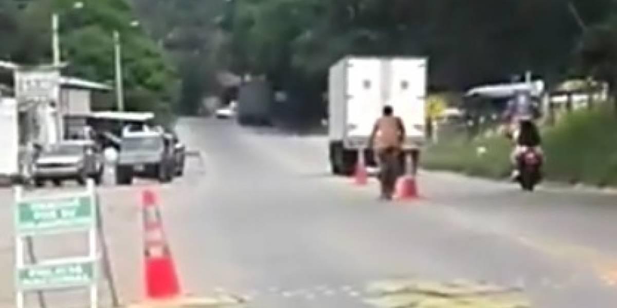 Escándalo en Santander por hombre desnudo que pasea en bicicleta