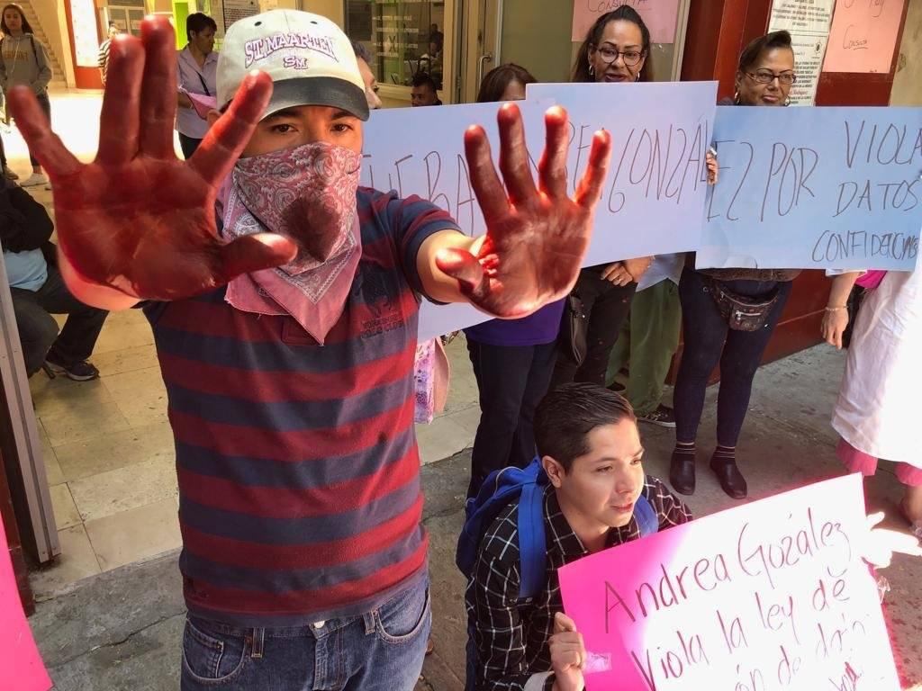 Pacientes se manifestaron en contra de la directora. Cortesía.