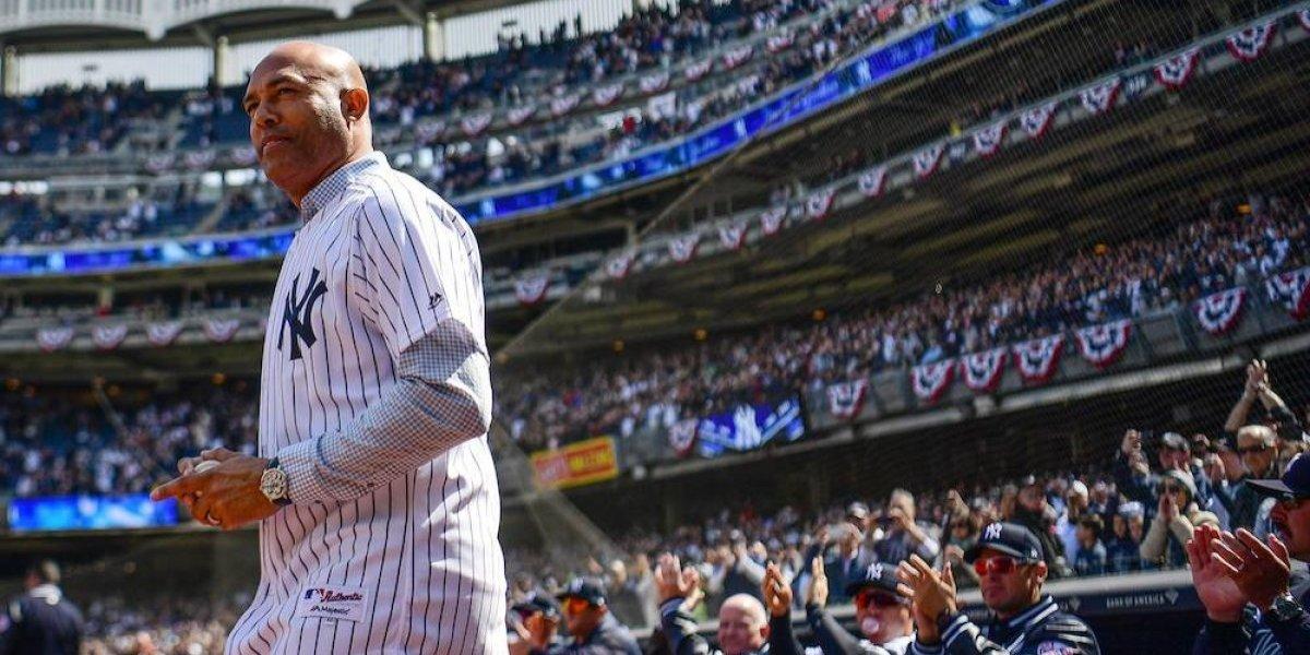 Mariano Rivera lanza primera bola en debut de Yankees en la temporada