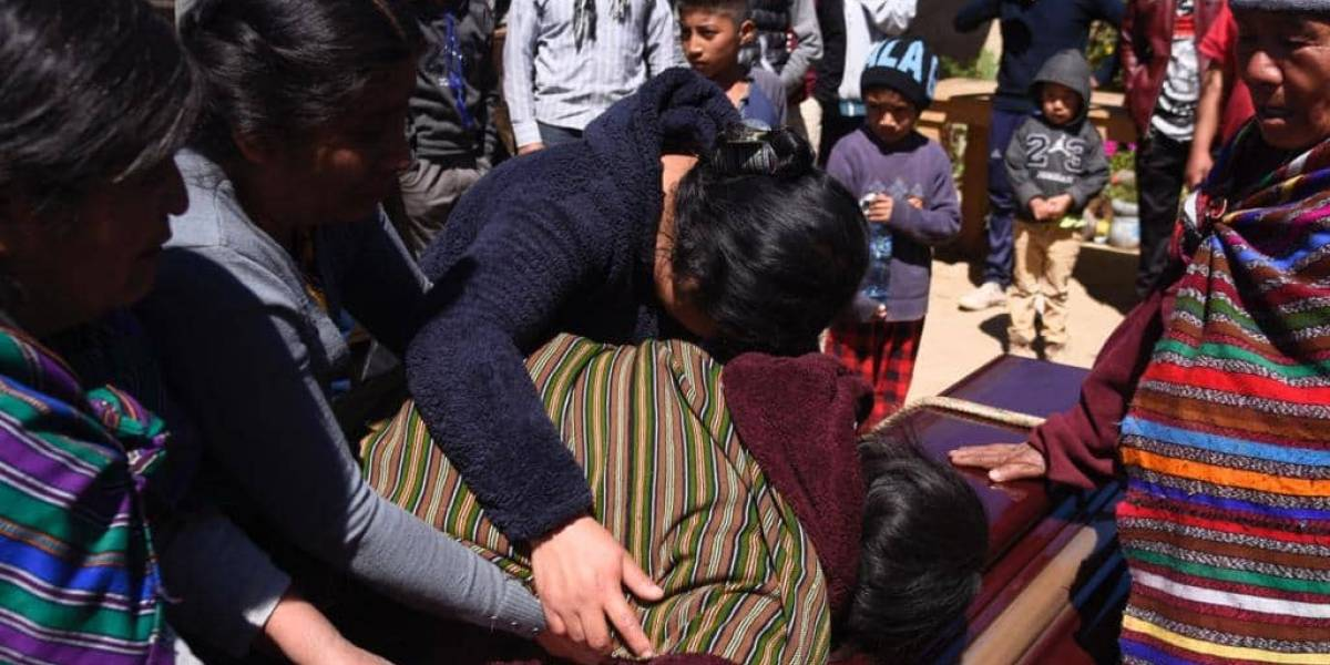 Gobierno declara tres días de duelo nacional por tragedia en Nahualá