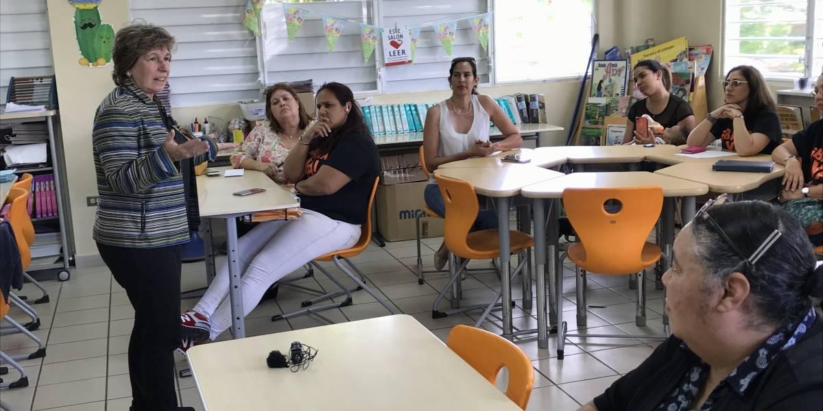 Presidenta de AFT visita de sorpresa posible escuela chárter