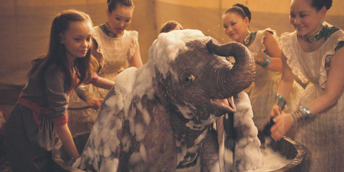 Tim Burton sorprende con un Dumbo encantador