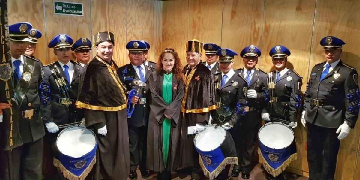 Tatiana recibe Doctor Honoris Causa por 35 años de trayectoria