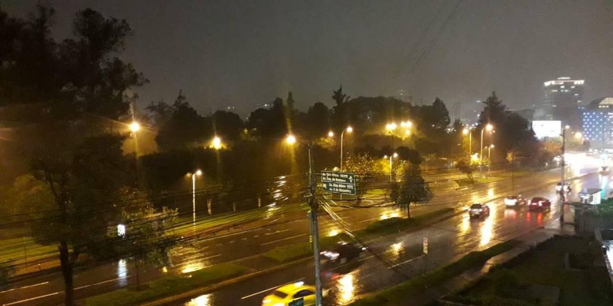 Reportan fuertes lluvias en varios sectores de Quito
