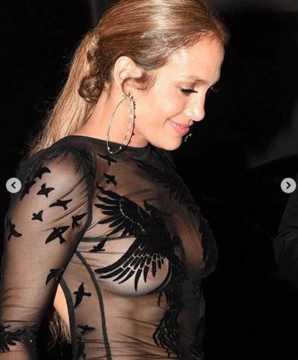 Foto reveló que se mantiene depilada — Jennifer Lopez