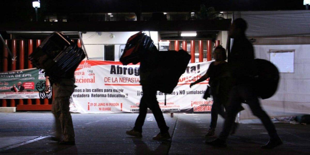 CNTE libera accesos 7 y 8 de la Cámara de Diputados
