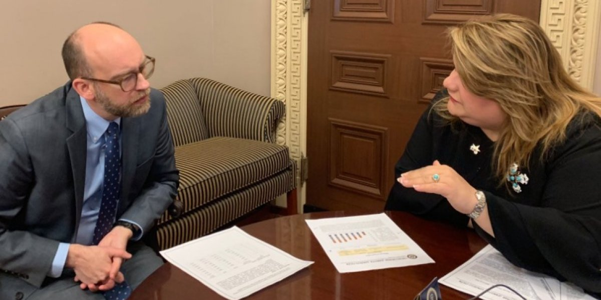 Comisionada explica a Casa Blanca necesidad de $600 millones al PAN