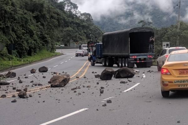 29 de marzo: La vía Alóag-Santo Domingo está habilitada en su totalidad
