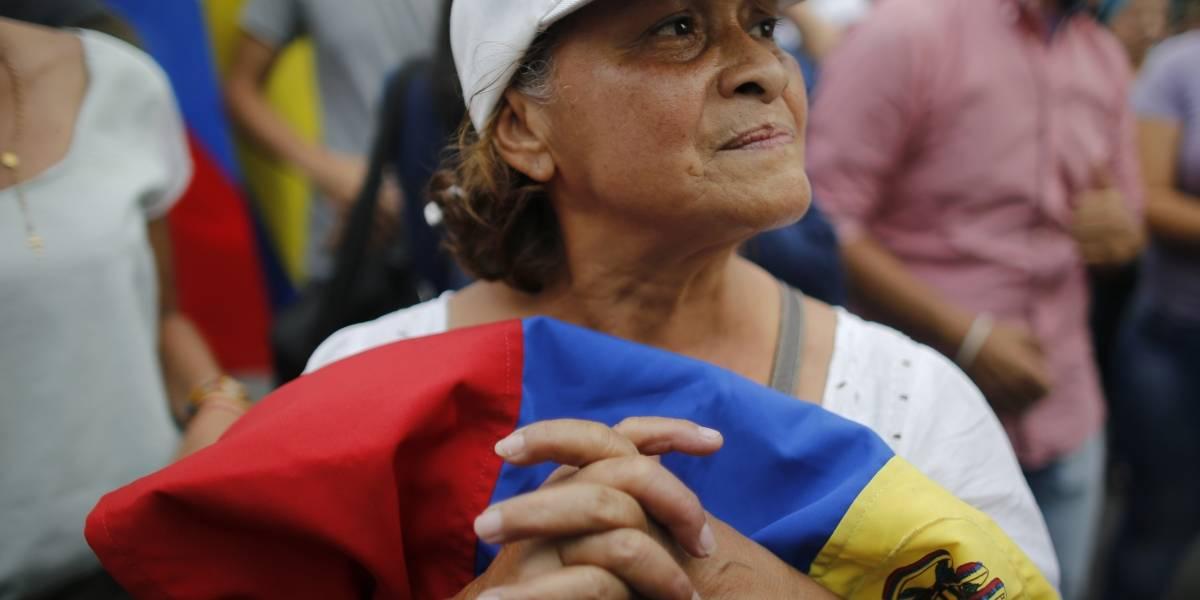 Simpatizantes de Guaidó y de Maduro marchan en Venezuela