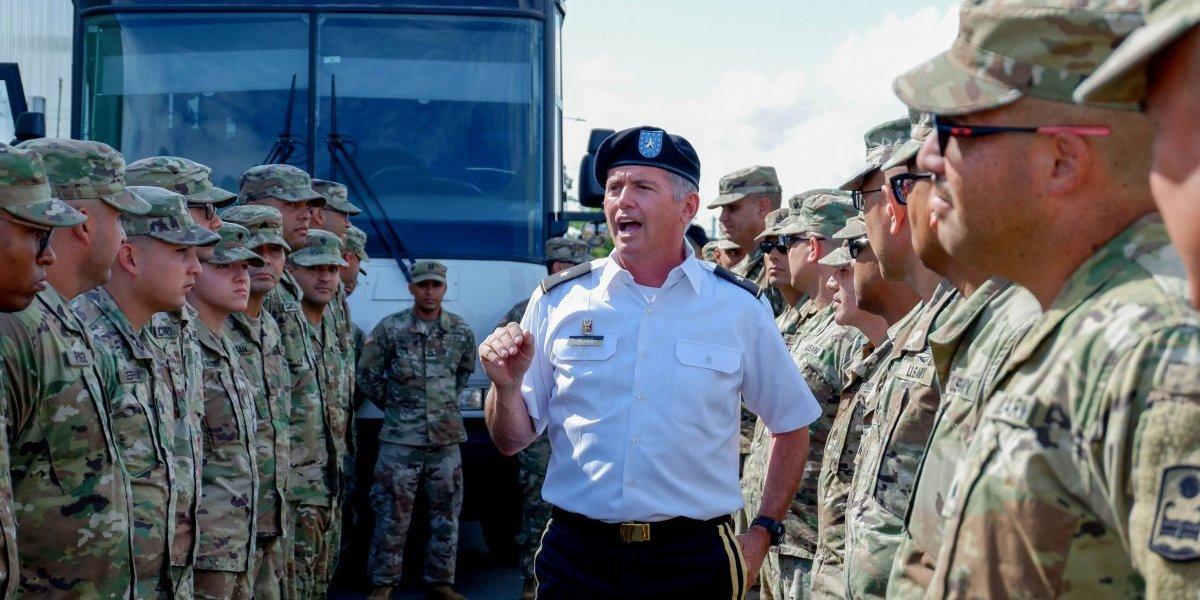 Soldados de la Guardia Nacional salen hacia misiones en América Central