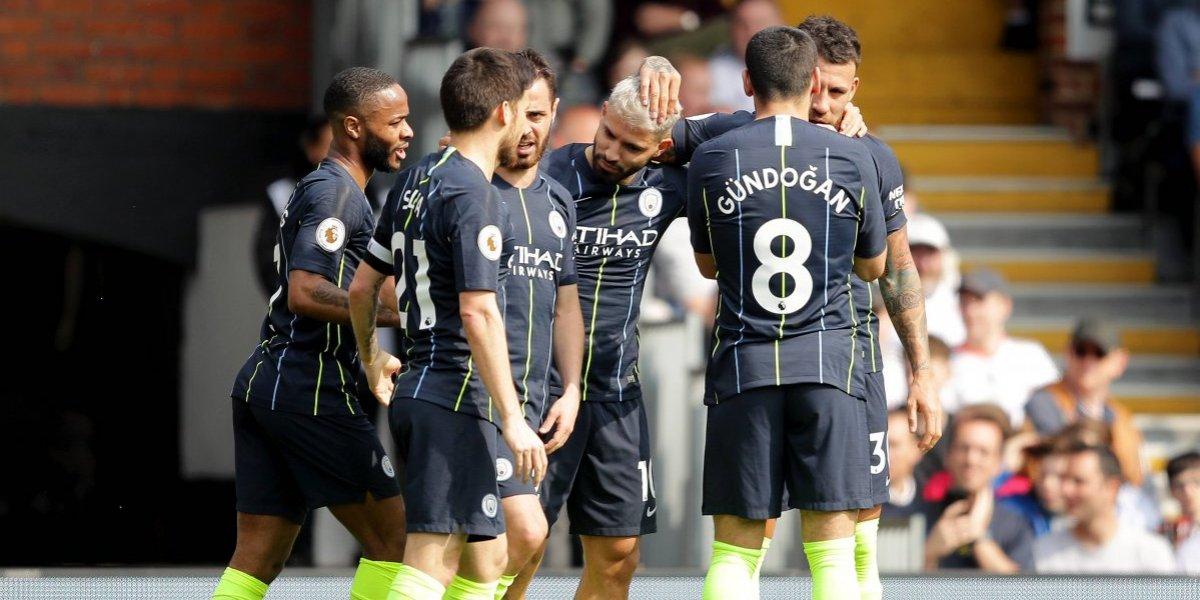 Manchester City venció sin problemas al Fulham y le mete presión al Liverpool en la lucha por el título