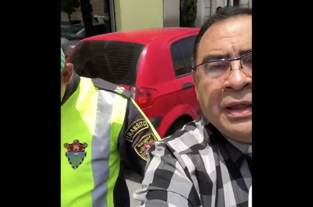 Abogado Maynor Berganza rechaza multa de tránsito. Foto: Twitter
