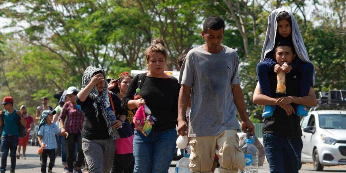 Parte caravana de 40 migrantes salvadoreños hacia EE. UU.