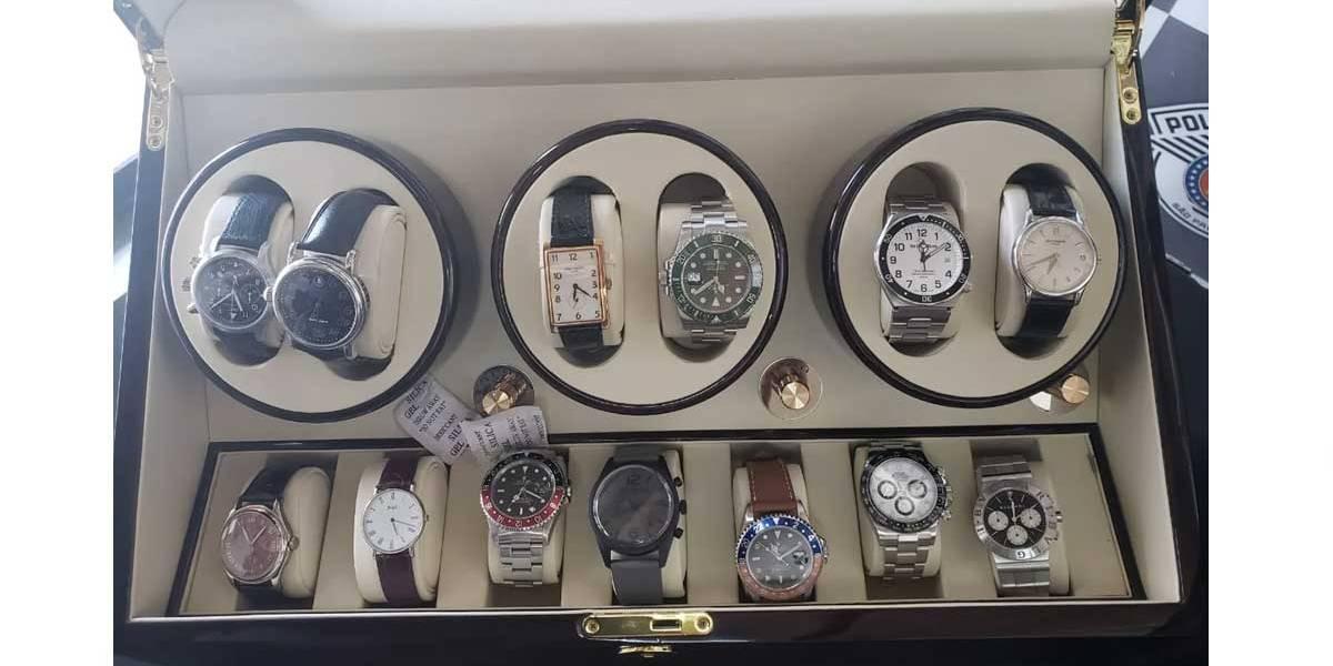 Caixas com relógios de luxo são abandonadas em rua do Morumbi