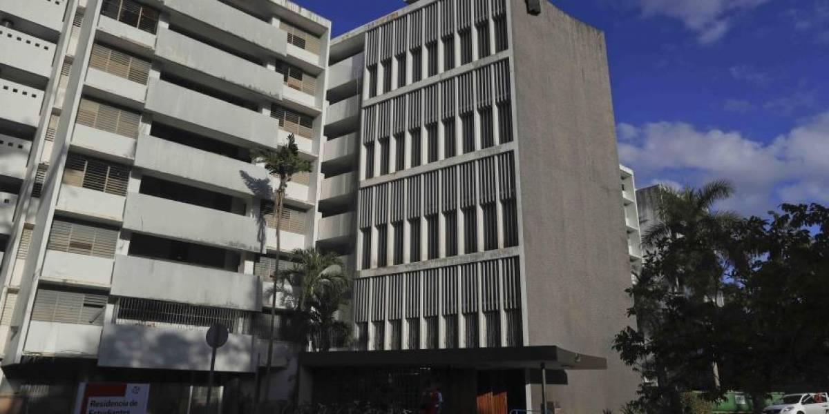 Denuncian el desalojo de estudiantes de ResiCampus de la UPR en medio de la cuarentena
